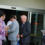 Эдвард Васильевич Ртвеладзе встречает гостей
